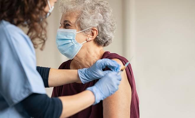 la-sicurezza-dei-vaccini-meno-tempo-si-impiega-a-produrli-meno-sono-sicuri